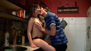 Agile stud delivers sexy drilling unfathomable inside the wet in force age teenager cookie