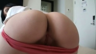 Playgirl with round butt widens legs getting dick in messy vagina