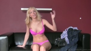 tenåring babe doggystyle blonde